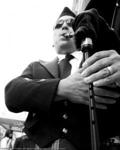 David Cohen Bagpipes w/Dario Franchitti photo by Scott Yeckes